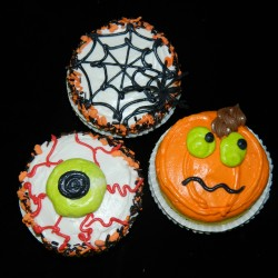 Eyeball, Spiderweb and Pumpkin Cupcakes #3